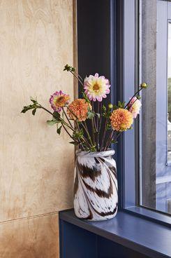 Hay Roll-Neck Splash Vase