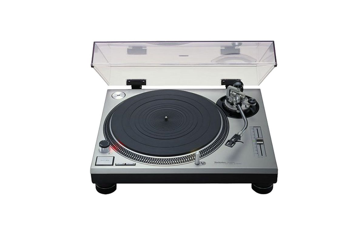I Asked Some Professional DJs What Turntables to Buy for My Living Room