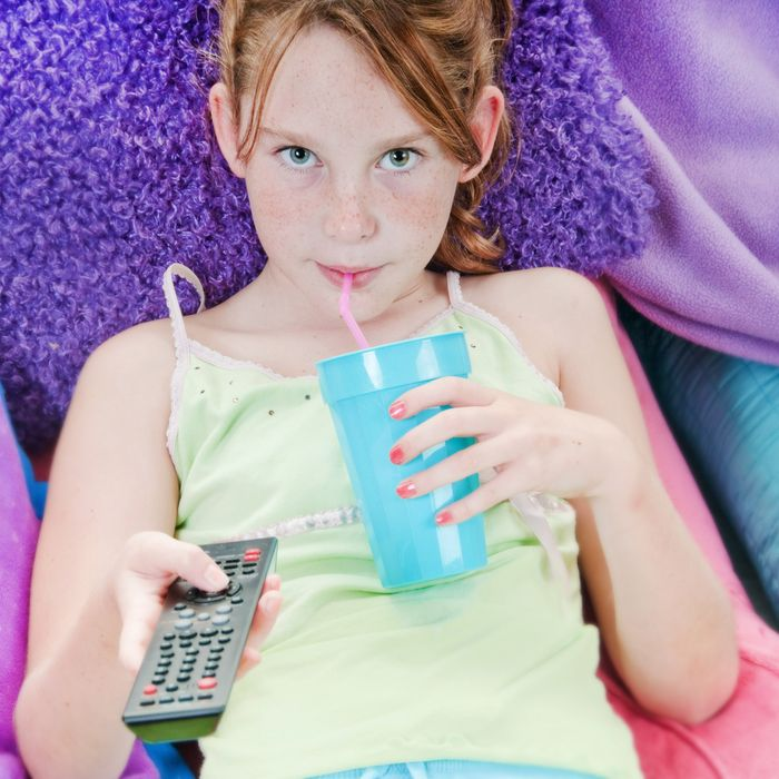 Study: Tween Girls On TV Are All About Looking Good