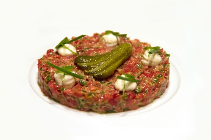 Tartare de boeuf with capers and cornichons.