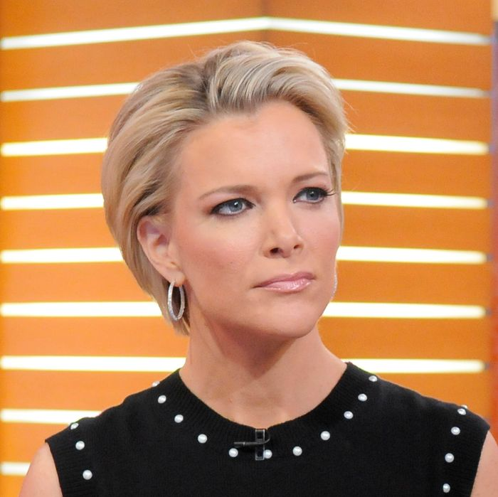 megyn kelly encouraged a female colleague to testify against roger ailes