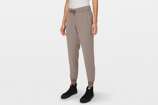 Lululemon On the Fly Jogger