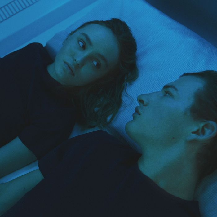 Lily-Rose Depp and Tye Sheridan in Voyagers.