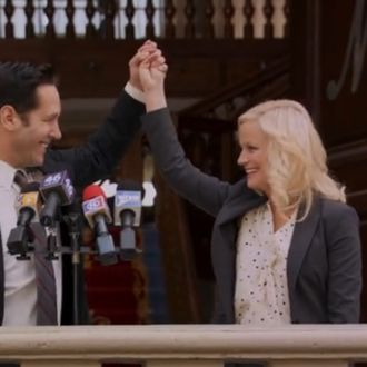 PARKS AND RECREATION Amy Poehler as Leslie Knope, Paul Rudd as Bobby Newport
