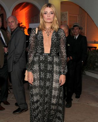 Mischa Barton Debuted A Rectangle Of Cleavage