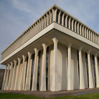 Woodrow Wilson School of Public and International Affairs, Robertson Hall, Princeton University, Princeton, NJ, USA