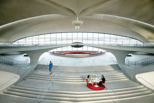 How Battersby's Chefs Pulled Off a Romantic Dinner for Two in JFK's Historic TWA Terminal