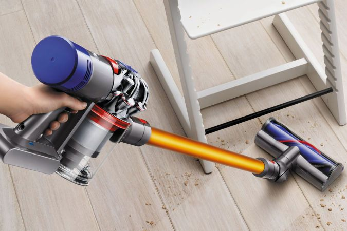 dyson cordless v10 absolute review 2018. Black Bedroom Furniture Sets. Home Design Ideas
