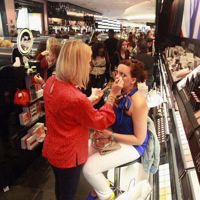 Free Sephora makeup lessons.