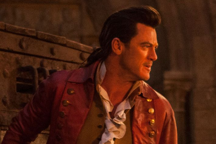 Luke Evans In Beauty And The Beast Photo Laurie Sparham Disney Enterprises