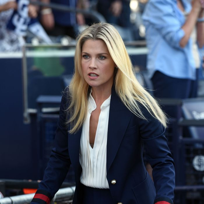 """PITCH: Ali Larter in the all-new """"Double Switch"""" episode of PITCH airing Thursday, Oct. 6 (8:59-10:00 PM ET/PT) on FOX. Cr: Ray Mickshaw / FOX. © 2016 FOX Broadcasting Co."""