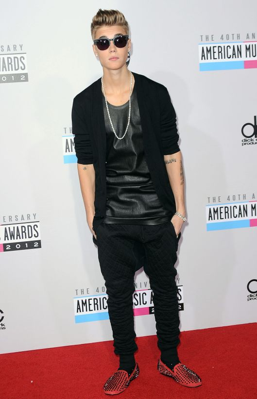 Justin Bieber==40th Anniversary American Music Awards - Arrivals==Nokia Theatre L.A. Live, Los Angeles, Ca==November 18, 2012==?Patrick McMullan==Photo - ANDREAS BRANCH/patrickmcmullan.com====