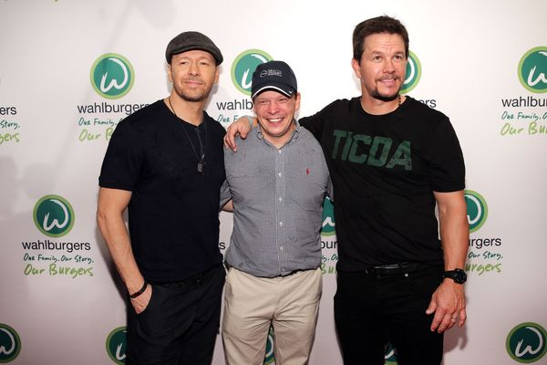 Wahlberg Brothers Just So Honored to Open a Wahlburgers in New York