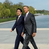 US President Barack Obama accompanies Japan's Prime Minister Shizo Abe during a visit to Lincoln Memorial on April 27, 2015 in Washington, DC. AFP PHOTO/MANDEL NGAN (Photo credit should read MANDEL NGAN/AFP/Getty Images)