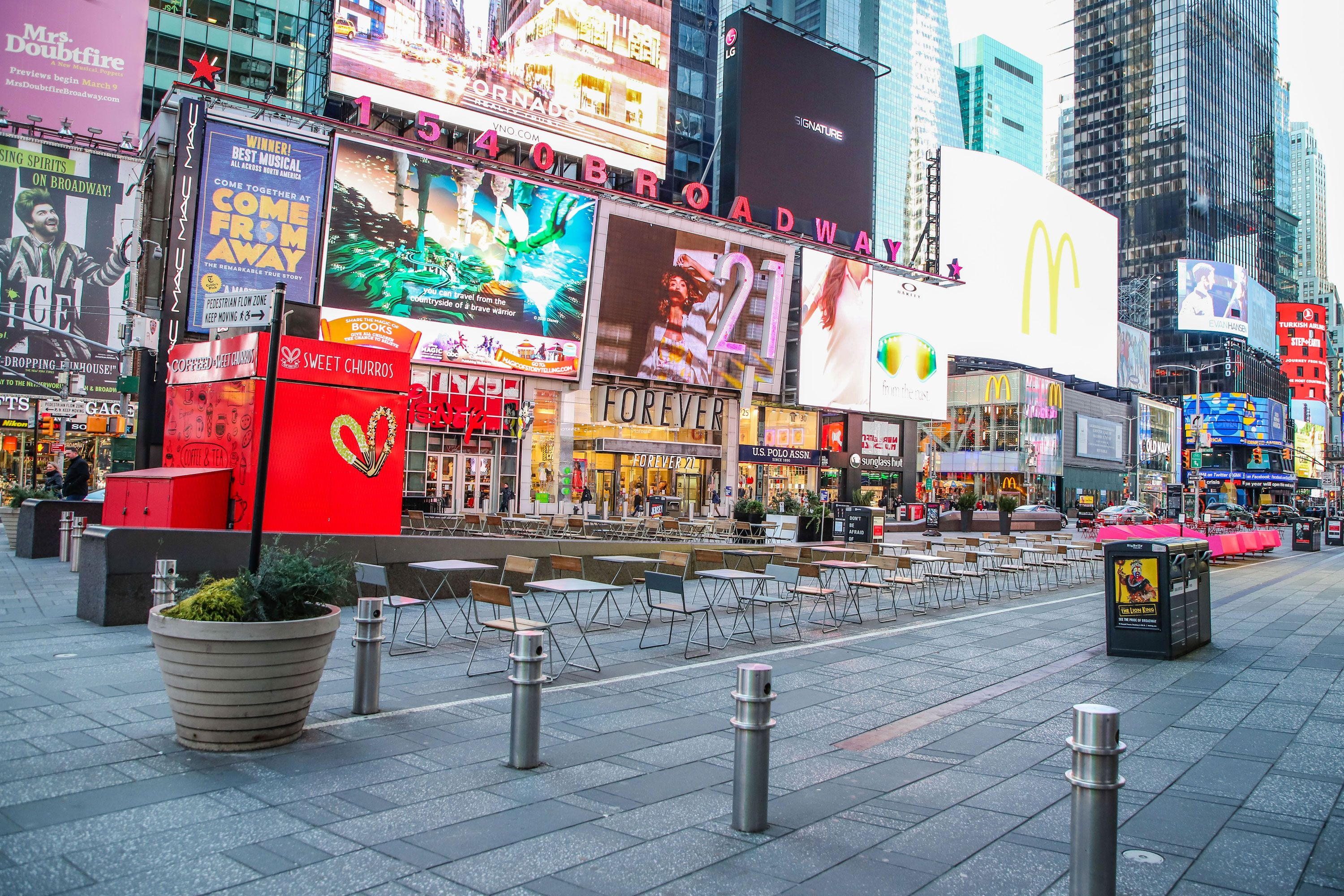 Photos Coronavirus Has Emptied Nyc S Most Crowded Places