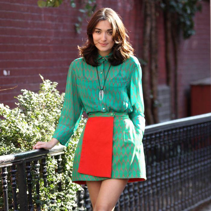 NEW YORK - FEBRUARY 07: Malu Abeni Valentine Byrne arrives at the Tartine restaurant in West Village