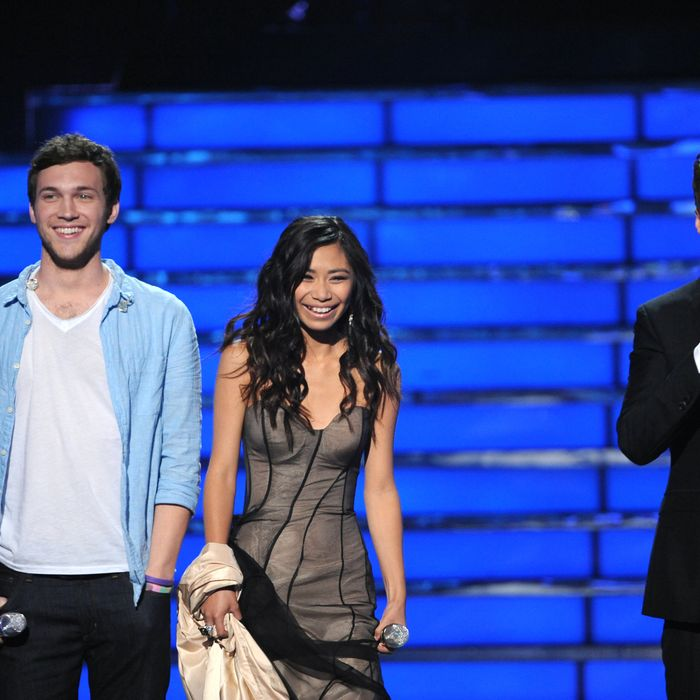 AMERICAN IDOL: L-R: Phillip Phillips, Jessica Sanchez and Ryan Seacrest on AMERICAN IDOL airing Tuesday, May 22 (8:00-9:00 PM ET/PT) on FOX.