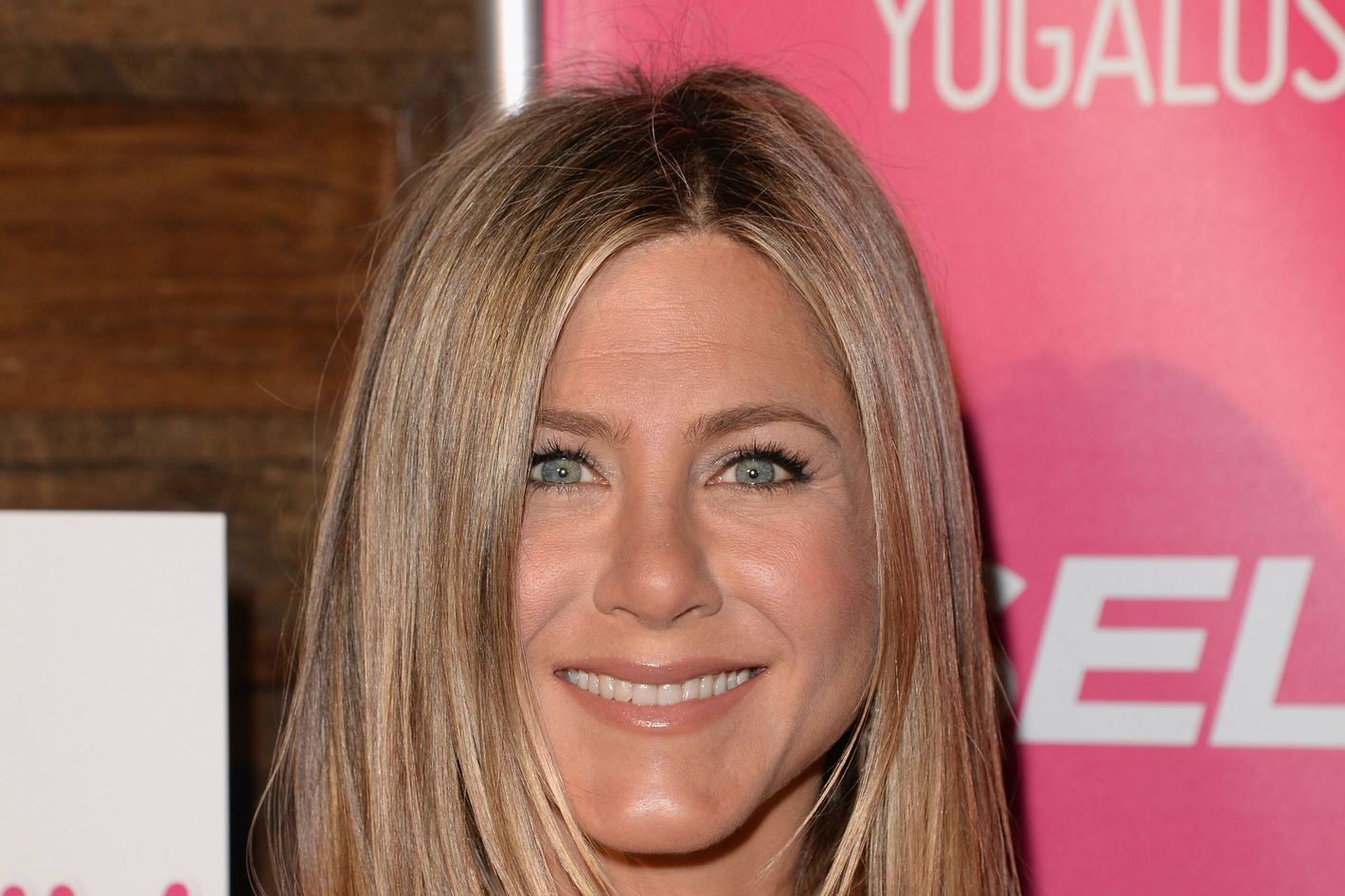 Qa Jennifer Aniston And Her Makeup Artist Talk Beauty