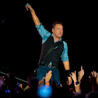 Bruce Springsteen And The E Street Band In Concert - Philadelphia, PA