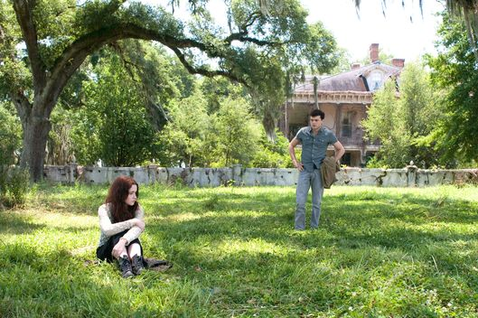 "(L-r) ALICE ENGLERT as Lena Duchannes and ALDEN EHRENREICH as Ethan Wate in Alcon Entertainment's supernatural love story ""BEAUTIFUL CREATURES"""