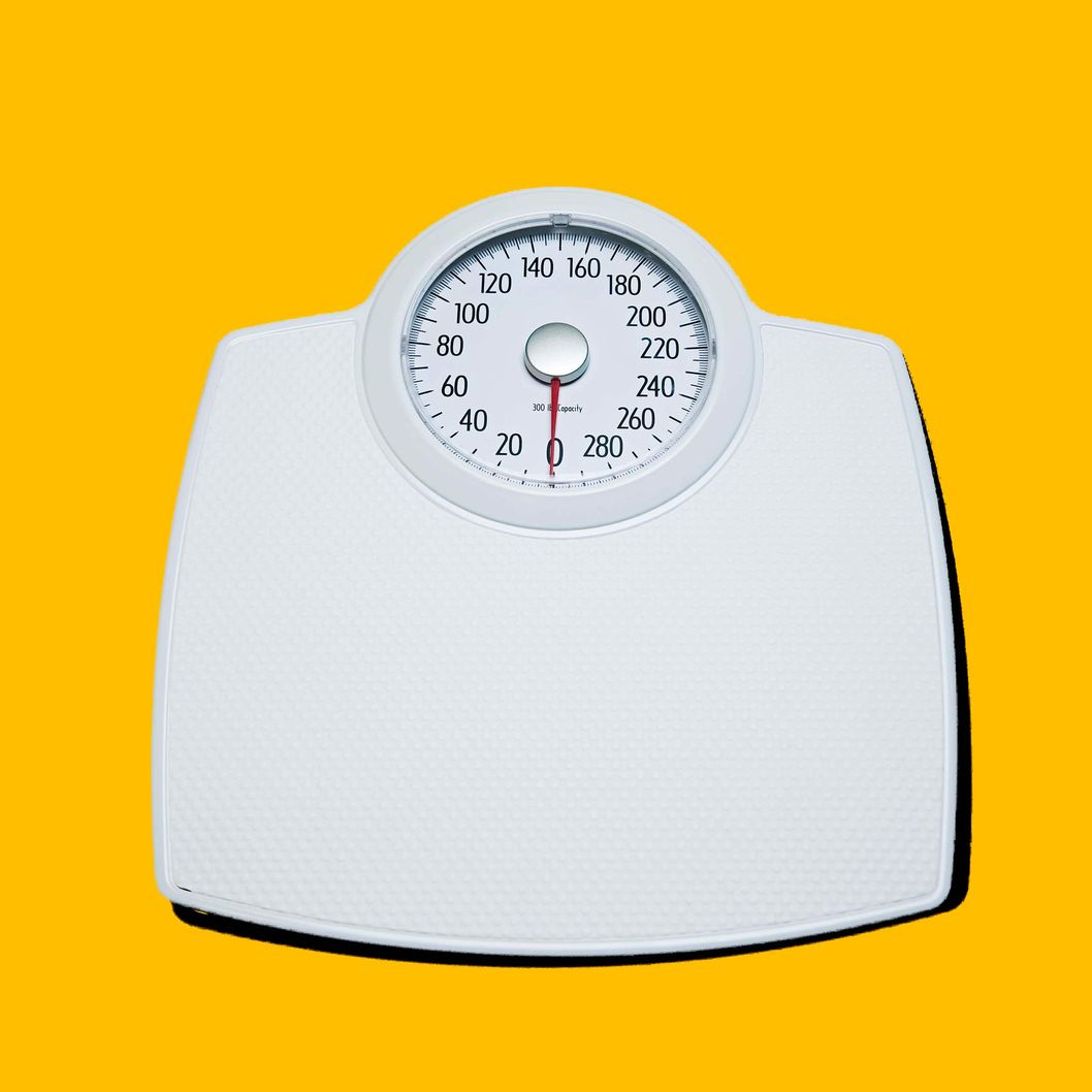 Bathroom scale --- Image by ? 68/Ocean/Corbis