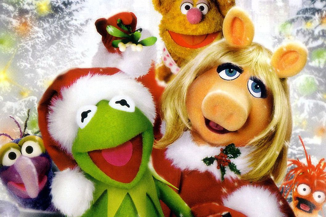 Muppets Family Christmas - Icy Patch - YouTube