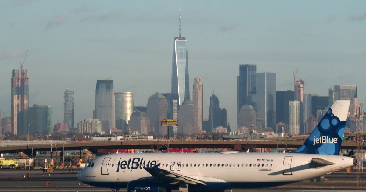 JetBlue Pilots Accused of Drugging and Raping 3 Crew Members
