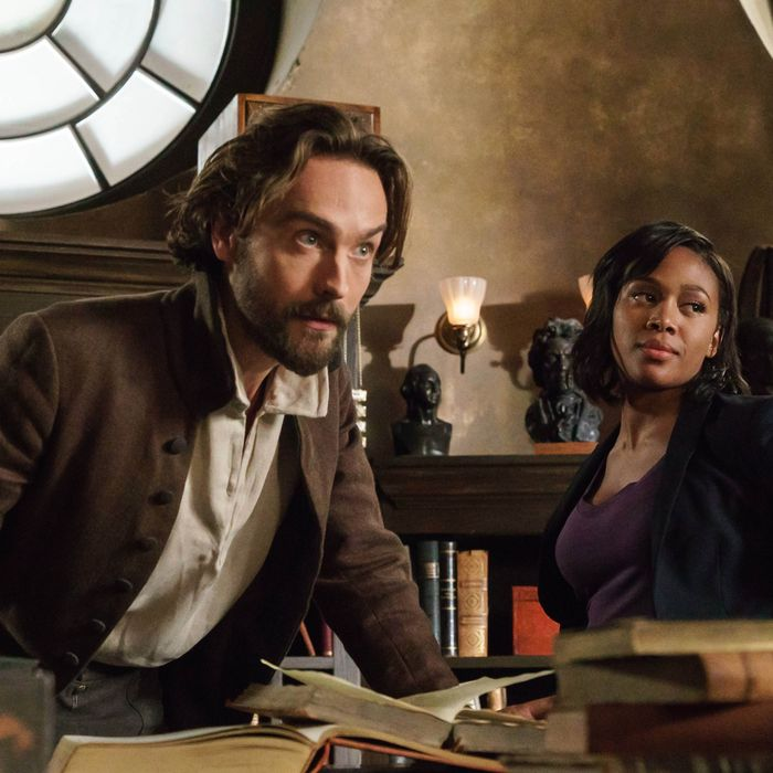 Tom Mison and Nicole Beharie in the