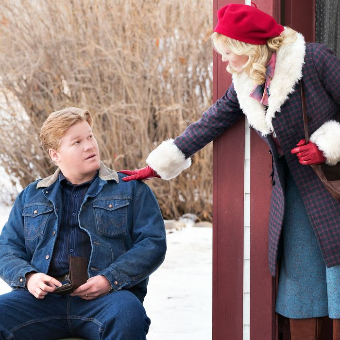 "FARGO -- ""Before The Law"" -- Episode 202 (Airs October 19, 10:00 pm e/p) Pictured: (l-r) Jesse Plemons as Ed Blumquist, Kirsten Dunst as Peggy Blumquist.CR: Chris Large/FX"