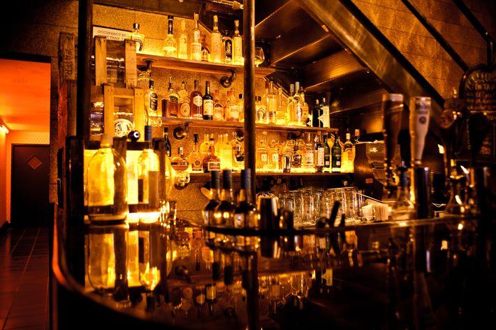 http://pixel.nymag.com/imgs/daily/grub/2011/03/18/18_cantinaroyale.JPG