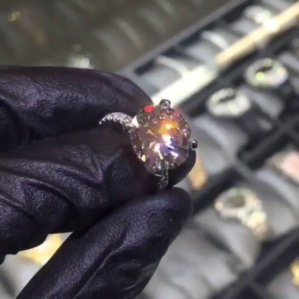 Seven carats! Photo: Ben Baller/Instagram