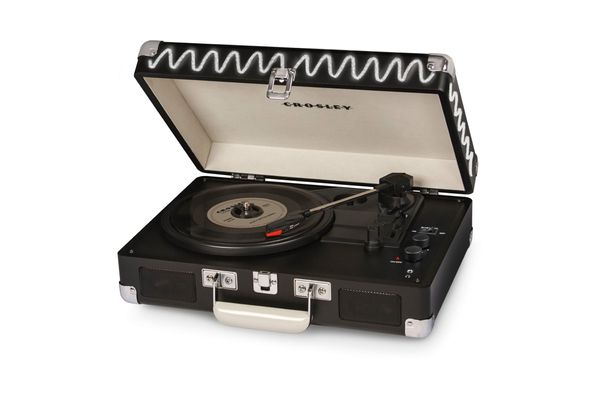 Crosley Cruiser Deluxe Suitcase Turntable