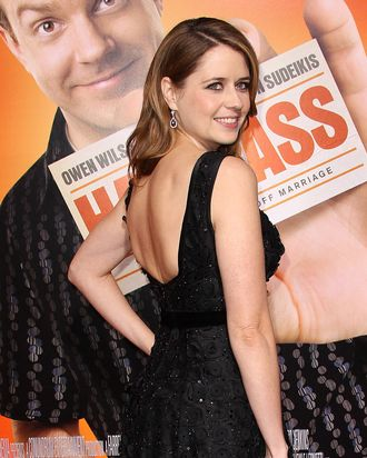LOS ANGELES, CA - FEBRUARY 23: Actress Jenna Fischer attends the premiere of Warner Brothers'