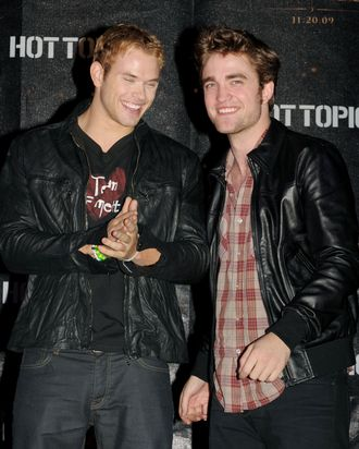 LOS ANGELES, CA - NOVEMBER 06: Actors Kellan Lutz (L) and Robert Pattinson appear onstage at Summit's