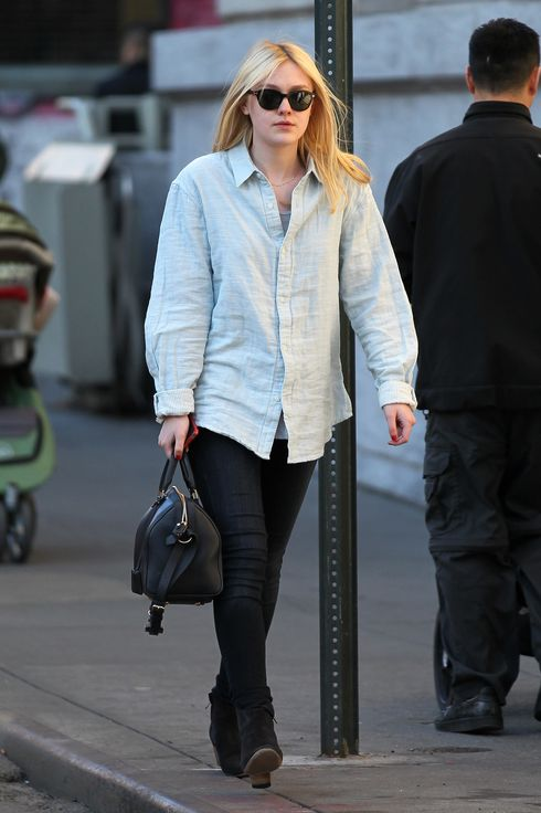 Dakota Fanning seen out and about in SoHo, New York City. <P> Pictured: Dakota Fanning <P> <B>Ref: SPL379852  060412  </B><BR/> Picture by: Splash News<BR/> </P><P> <B>Splash News and Pictures</B><BR/> Los Angeles:	310-821-2666<BR/> New York:	212-619-2666<BR/> London:	870-934-2666<BR/> photodesk@splashnews.com<BR/> </P>