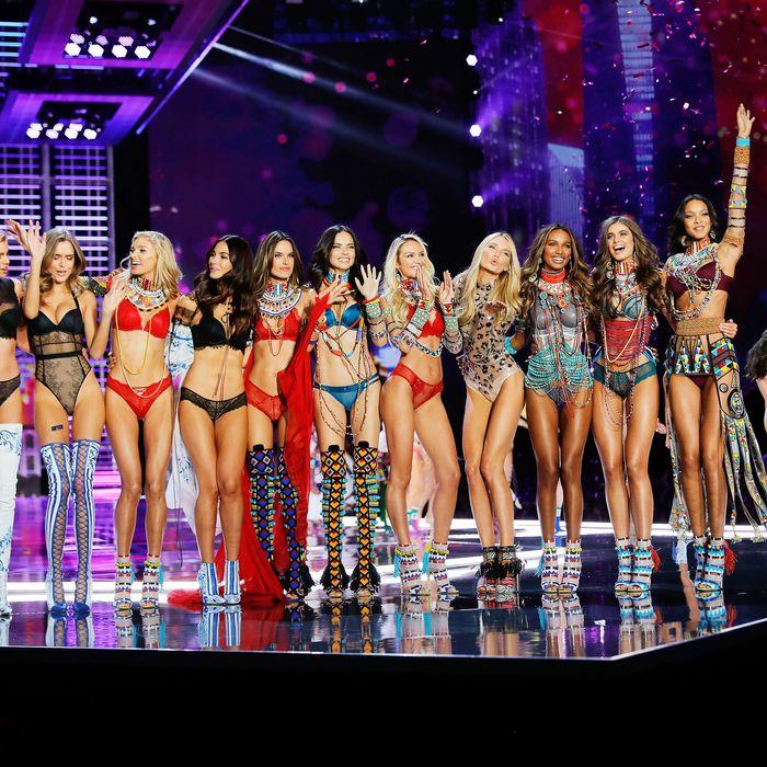 Models Slam Victoria S Secret For Not Doing Enough