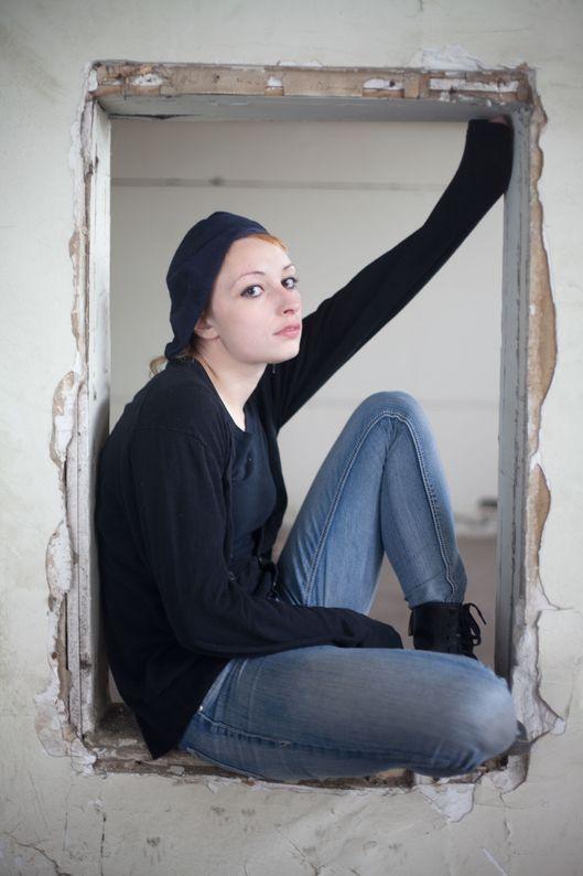 Arielle Holmes pics 45