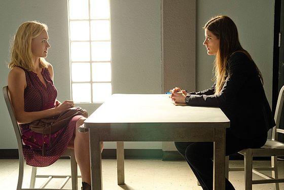 Yvonne Strahovski as Hannah McKay and Jennifer Carpenter as Debra Morgan (Season 7, episode 7)