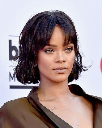 Rihanna attends the 2016 Billboard Music Awards.