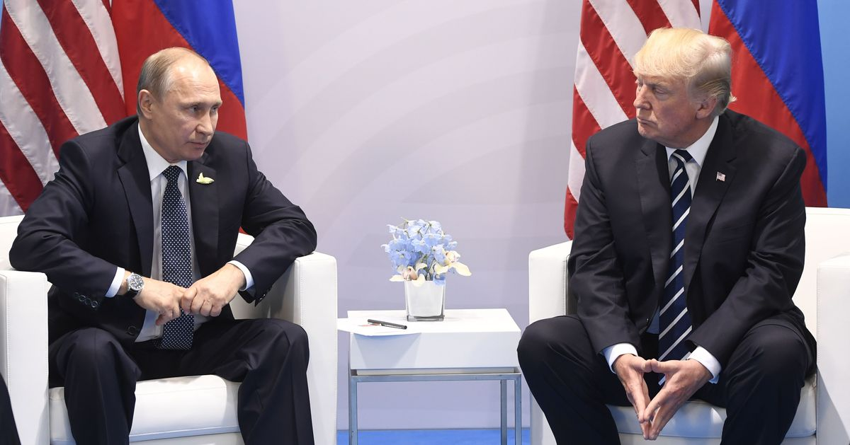 White House Says Trump Will Sign Russia Sanctions Bill, Avoiding Veto Fight