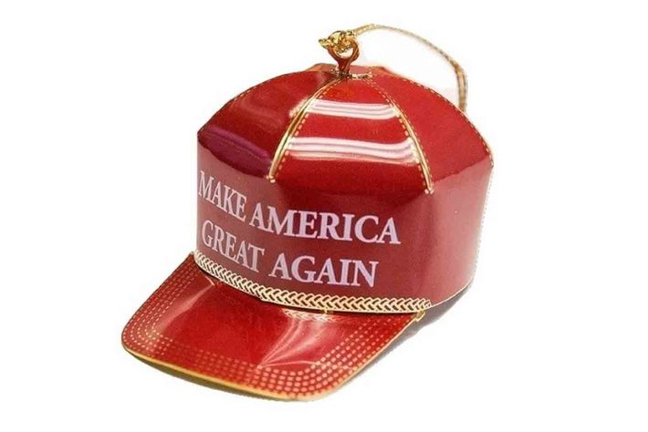 Amazon Reviewers Dislike This Trump Christmas Tree Ornament