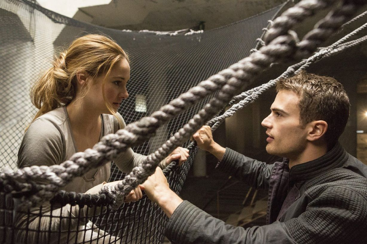 what got left out of the divergent movie, and how much it mattered