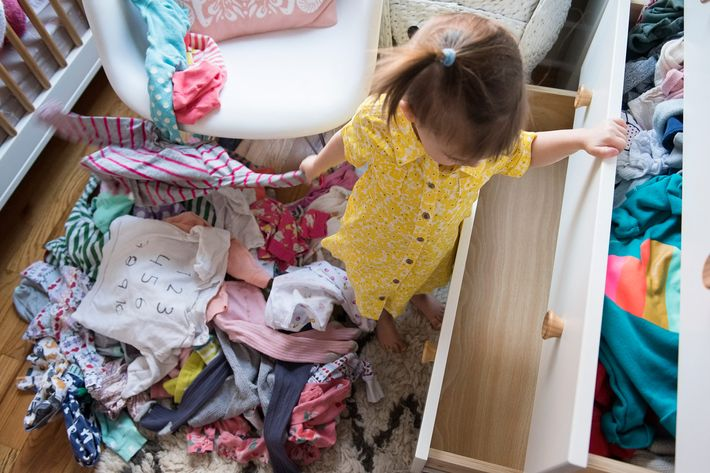 marie kondo s young daughter knows the magic of tidying up. Black Bedroom Furniture Sets. Home Design Ideas