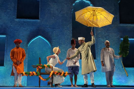 Indian InkLaura Pels TheatreCast List:Firdous BamjiBill BuellNick ChoksiRomola GaraiRosemary HarrisNeal HuffCaroline LagerfeltOmar MaskatiTim McGeeverBrenda MeaneyPhilip MillsAjay NaiduBhavesh PatelLee Aaron RosenRajeev VarmaProduction Credits:Carey Perloff (Director)Neil Patel (Scenic Design)Candice Donnelly (Costume Design)Robert Wierzel (Lighting DesignOther Credits:Written by: Tom Stoppard