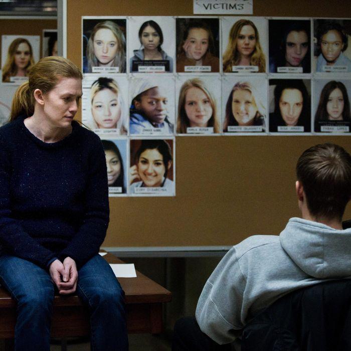 Sarah Linden (Mireille Enos) and Stephen Holder (Joel Kinnaman) - The Killing