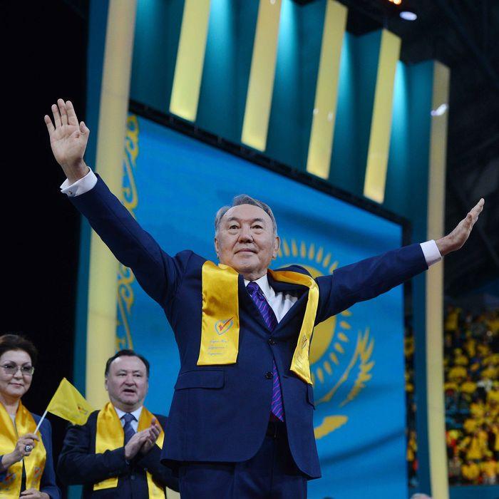 Kazakhstan's President Nursultan Nazarbayev gestures during a speech to his supporters in Astana, Kazakhstan, April 27, 2015.