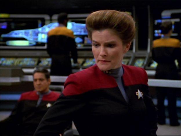 Photo 17 from Star Trek: Voyager Stars Kathryn Janeway, First Major Female Trek Captain (1995)