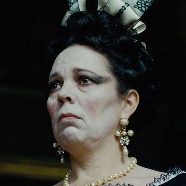 Olivia Colman Has Royal Meltdown in New 'The Favourite' Clip