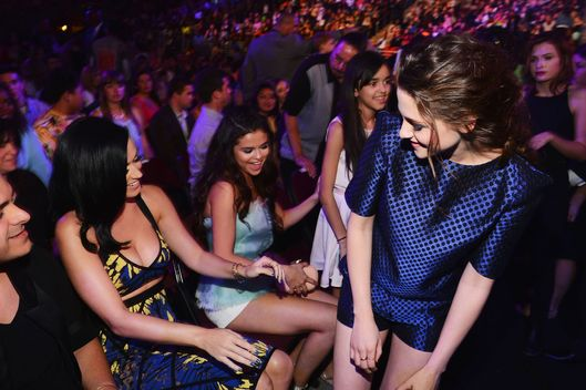 (L-R) Singer Katy Perry, actress Selena Gomez, and actress Kristen Stewart attend Nickelodeon's 26th Annual Kids' Choice Awards at USC Galen Center on March 23, 2013 in Los Angeles, California.
