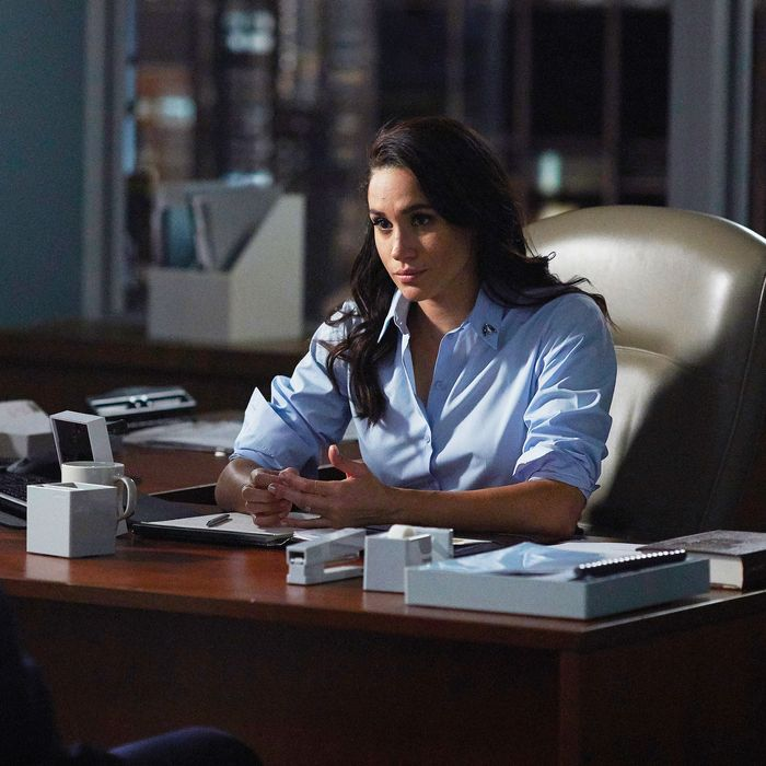 Gallery Meghan Markle Best Fashion Moments On Suits: Suits Actress Meghan Markle Shuttered Her Lifestyle Site
